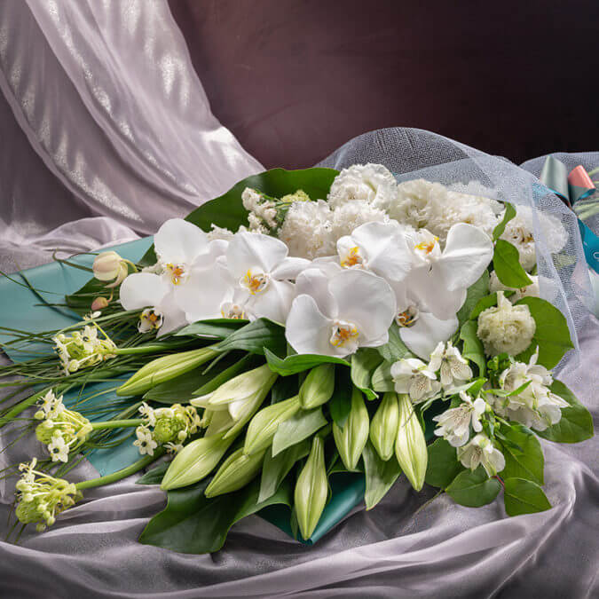 Caelestis Flower Bouquet