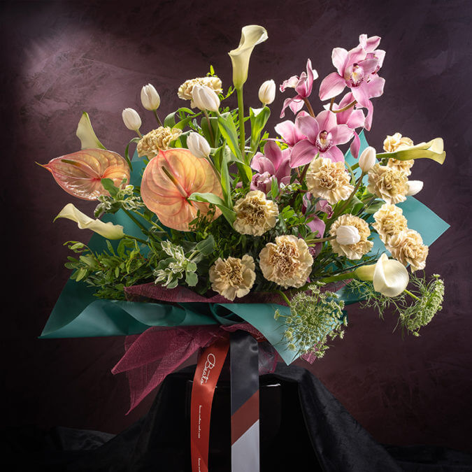 Shimmerith Podium Bouquet